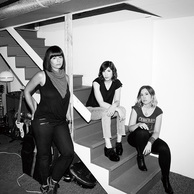 SLEATER-KINNEY 『No Cities To Love』 Part.1―最高に真摯で痛快なロックンロール、オルタナ界の女番長が大復活だ!